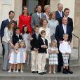 La famille royale d'Espagne rassemblée en mai 2009 à Barcelone pour la communion de Juan et Pablo Urdangarin, fils de l'infante Cristina.