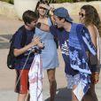 Felipe Froilan Marichalar, fils de l'infante Elena, complice avec son cousin Pablo Nicolas Urdangarin, fils de l'infante Cristina - Les enfants de la famille royale d'Espagne lors de leur dernier jour de cours de voile à Palma de Majorque. Le 5 août 2016