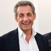 Nicolas Sarkozy torse nu et barbe naissante, vacances décontractées avec Giulia