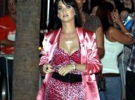 Katy Perry, elle ressort l'artillerie lourde et son décolleté... pour draguer ses fans !