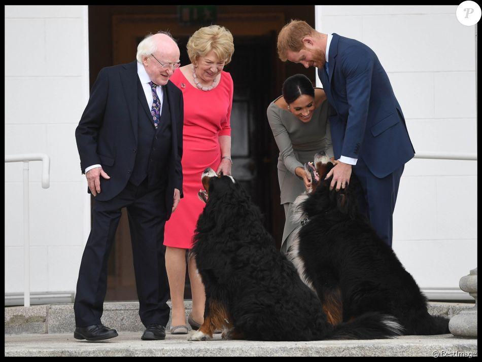 Le prince Harry, duc de Sussex et sa femme Meghan Markle, duchesse de Sussex rencontrent le président Irlandais Michael D. Higgins et sa femme Sabina Coyne à Dublin le 11 juillet 2018