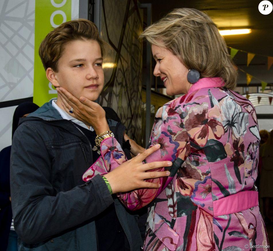 Le prince Gabriel et la princesse Eléonore de Belgique ont fait leur rentrée, accompagnés par leur mère la reine Mathilde de Belgique, au collège Saint-Jan-Berchmans à Bruxelles, le 3 septembre 2018. Gabriel est entré en 4e secondaire, Éléonore en 5e primaire.