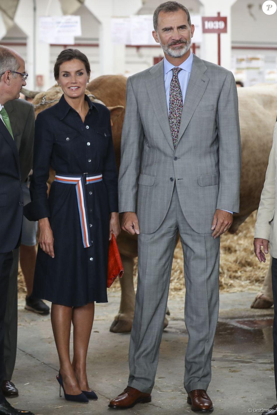 """Le roi Felipe VI et la reine Letizia d'Espagne inaugurent le salon """"Salamaq'18"""" à Salamanque en Espagne le 5 septembre 2018."""