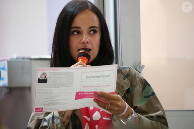 Exclusif  - La chanteuse Alizée a donné de la voix pour se faire entendre des 109 élèves de 5ème qui participaient à la dictée ELA. © Olivier Sanchez/Crystal Pictures/Bestimage