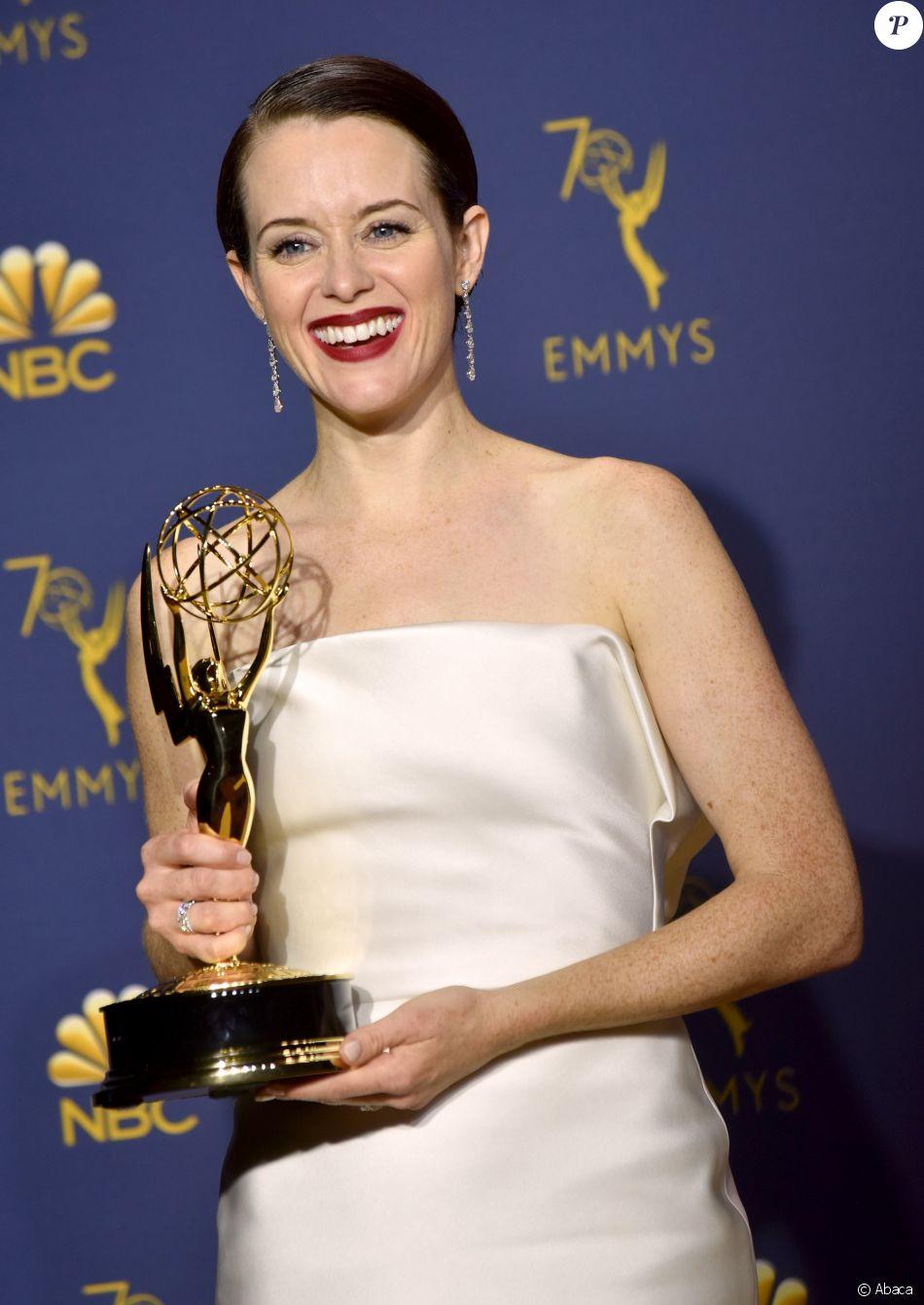 Claire Foy récompensée à la 70e cérémonie des Emmy Awards au Microsoft Theatre de Los Angeles, le 17 septembre 2018