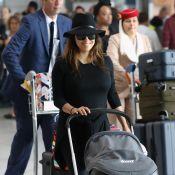 Eva Longoria débarque à Paris avec Santiago pour la Fashion Week