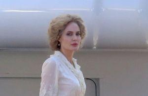 Angelina Jolie, blonde et méconnaissable, revient à ses premières amours