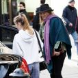 Exclusif - Kate Moss accompagne sa fille Lila Grace à la boutique Fiorucci Clothing à Londres le 16 février 2018.