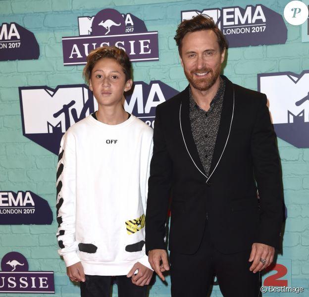 David Guetta et son fils Tim Elvis - Soirée des 24ème MTV Europe Music Awards à la salle SSE Wembley Arena à Londres, Royaume Uni, le 12 novembre 2017.