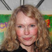 Mia Farrow arrête sa grève de la faim, mais...