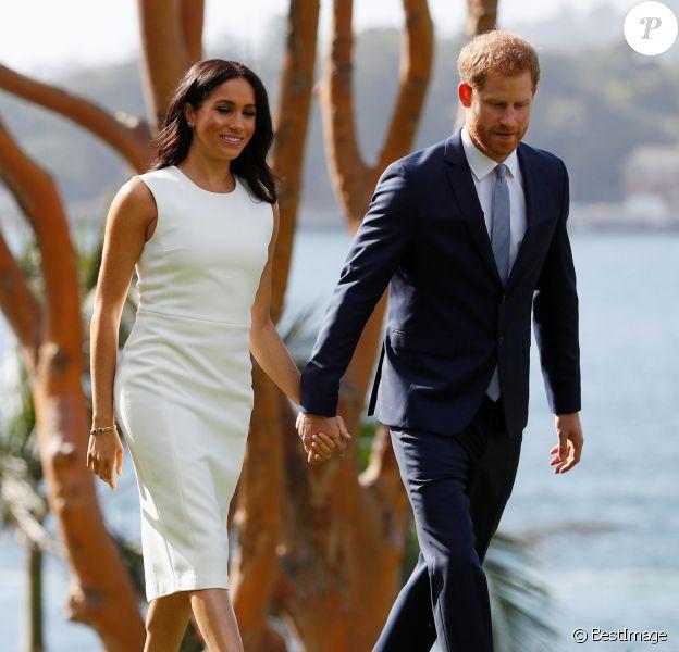 """Le prince Harry, duc de Sussex et sa femme Meghan Markle, duchesse de Sussex (enceinte) rencontrent Peter Cosgrove (le Gouverneur général d'Australie) et sa femme Lynne Cosgrove à la """"Admiralty House"""" lors de leur premier voyage officiel, le 16 octobre 2018."""