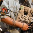 """Fans du chanteur - Vente de l'album de Johnny Hallyday, """"Mon pays c'est l'amour """", à 0h01 à la Fnac des Champs-Elysées à Paris, le 19 octobre 2018. © CVS/Bestimage"""
