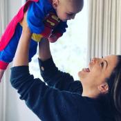 """Eva Longoria déguise son bébé Santiago, """"perdu"""", pour Halloween !"""