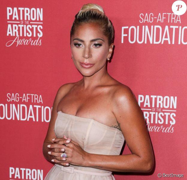 Lady Gaga au photocall de la 3ème soirée annuelle des SAG-AFTRA Foundation Patron Of The Artists Awards à Los Angeles, Californie, Etats-Unis, le 8 novembre 2018.