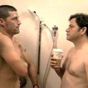 Quand Matthew Fox et Jimmy Kimmel prennent une douche ensemble... c'est délirant et hilarant ! Regardez !