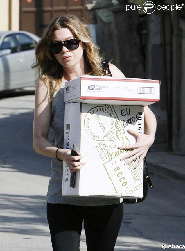 Ellen Pompeo porte des paquets à Los Angeles le 14 mai 2009