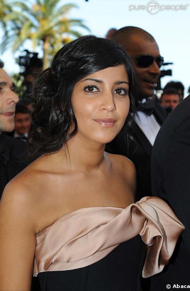 Leïla Bekhti était ravissante lors de la montée des marches avant la projection de Prophète, le 16 mai 2009