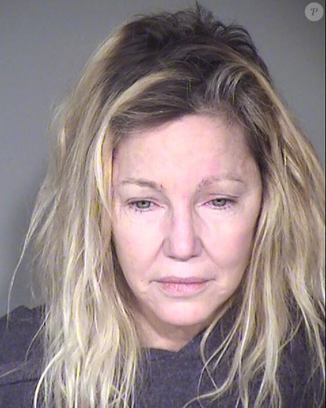 Mugshot de Heather Locklear le 25 juin 2018 après son arrestation à son domicile dans le comté de Ventura, en Californie. Elle avait alors résisté aux agents et secouristes, qui l'ont transportée en soins psychiatriques.