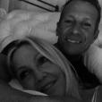 """Heather Locklear et son boyfriend Chris Heisser, amour de jeunesse avec qui elle a renoué 40 ans plus tard. """"La personne que je préfère dans ce monde"""", a-t-elle écrit. Photo Instagram septembre 2017."""