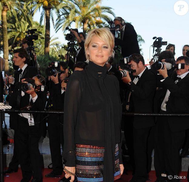 Virginie Efira a débarqué sur la croisette avec une nouvelle coupe... toute courte ! Dans cet ensemble Sonia Rykiel, l'animatrice de Canal Presque n'est pas que presque jolie, c'est carrément la... Nouvelle Star de Cannes !