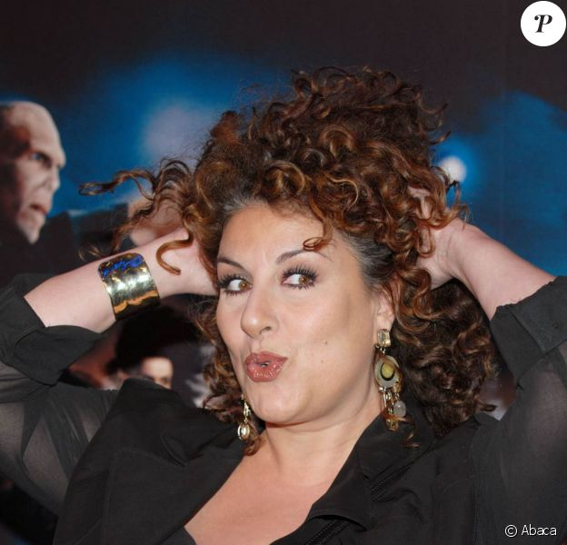 Marianne James joue les mannequins !