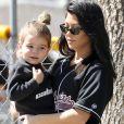 Kourtney Kardashian et son fils Reign Disick - Exclusif - La famille Kardashian se retrouve pour une partie de softball entre amis à Calabasas, le 8 mars 2018
