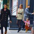 John Legend, sa femme Chrissy Teigen, sa fille Luna et son fils Miles sortent se balader dans les rues de New York. Le 12 novembre 2018.