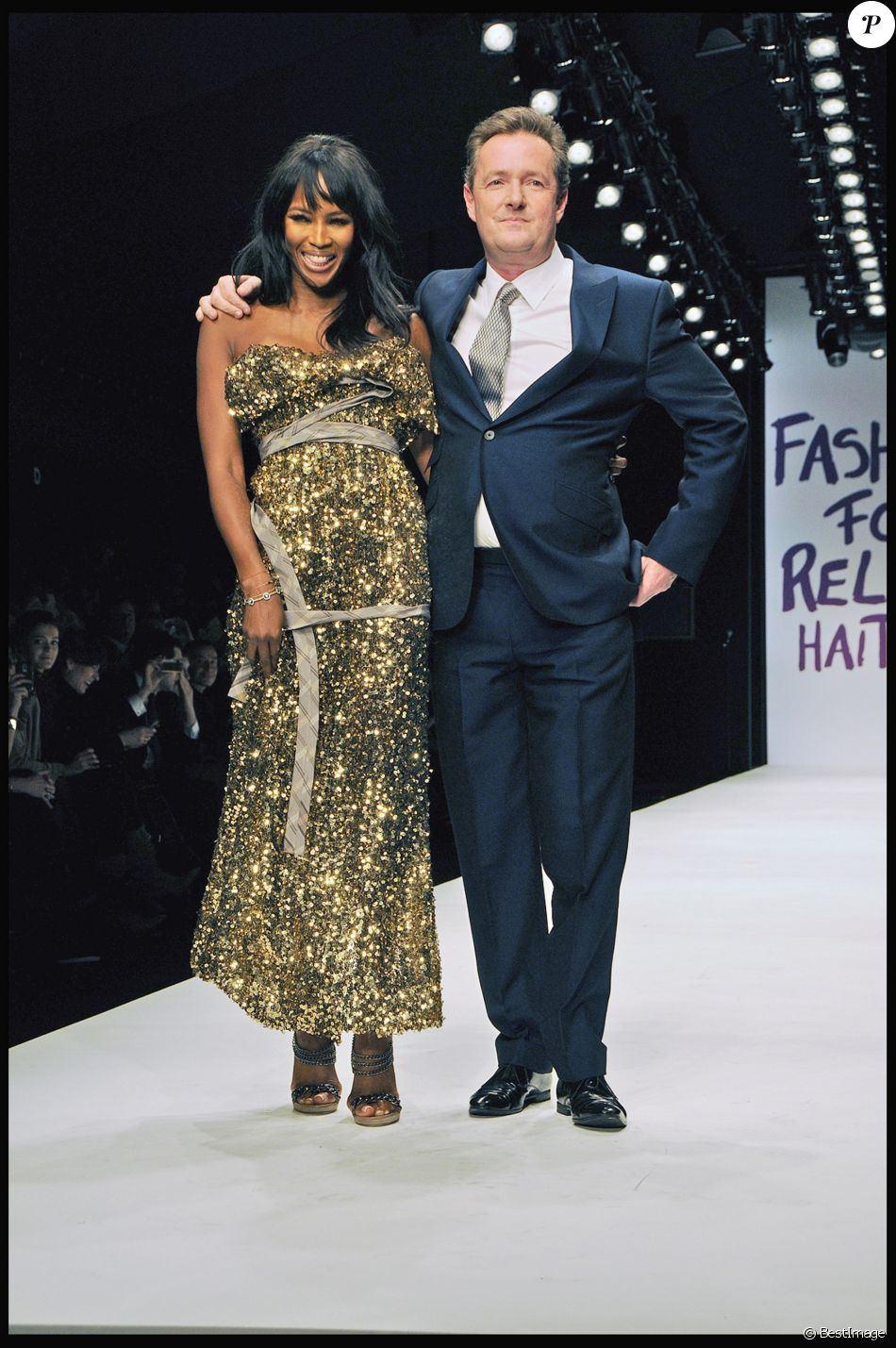 Piers Morgan avec Naomi Campbell lors du défilé Fashion for Relief Haïti en février 2010 à la Fashion Week de Londres.