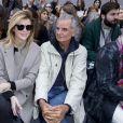 Virginie Mouzat et Patrick Demarchelier au défilé de mode Chloé collection prêt-à-porter Printemps/Eté 2016 lors de la fashion week au Grand Palais à Paris le 1er octobre 2015.