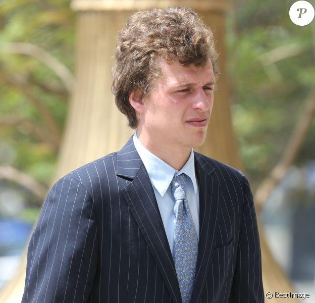 Exclusif - Conrad Hilton arrive au tribunal à Los Angeles avec ses parents Kathy et Rick Hilton, le 16 juin 2015.