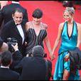 Lio accompagnée de Jean-François Lepetit et de sa fille Nubia, le 20 mai 2009 au Festival de Cannes. Les robes étaient signées Vivien Viviani.
