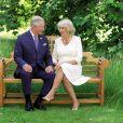 Le prince Charles et la duchesse Camilla de Cornouailles photographiés à Clarence House par Hugo Burnand pour leur carte de voeux de fin d'année 2018. © Hugo Burnand/PA Wire /ABACAPRESS.COM.