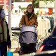 Exclusif - Pippa Middleton fait du shopping chez M&S à Londres le 12 décembre 2018.