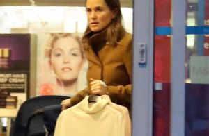 Pippa Middleton : Mission shopping de Noël avec son fils Arthur