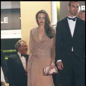 Angelina Jolie ne rigole pas du tout avec Julie Dreyfus, qui est un peu trop près de son homme...