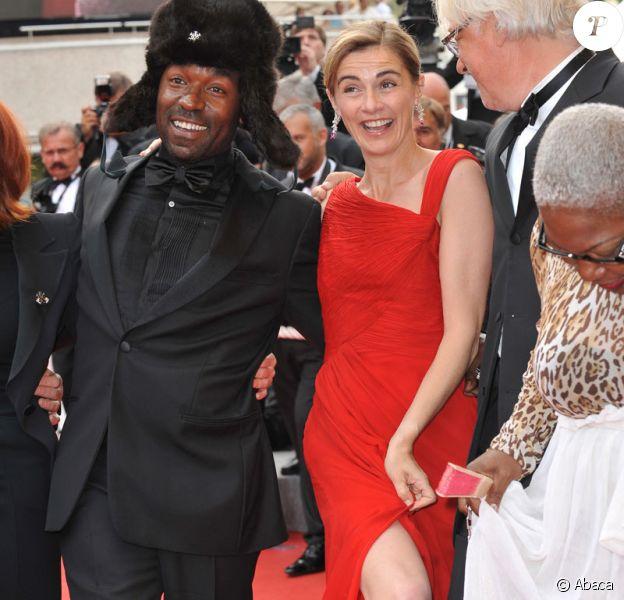 L'équipe du film La Première Etoile monte les marches le 21 mai 2009 lors du Festival de Cannes : Anne Cosnigny, Lucien Jean-Baptiste, Firmine Richard, Michel Jonaz, ludovic François, Jimmy Woha Woha, Loreyna Colombo et Astrid Berges-Frisbey