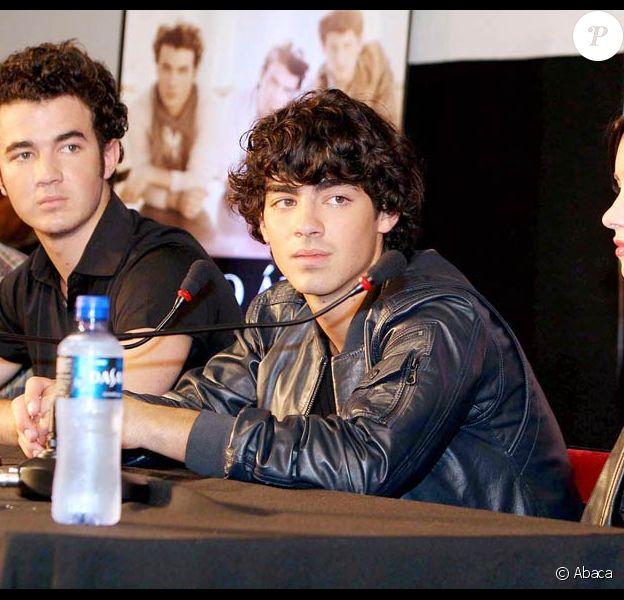 Les Jonas Brothers et Demi Lovato, accueillis... chaudement en Argentine !