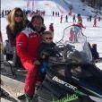 Ingrid Chauvin, son époux Thierry Peythieu et leur adorable petit garçon Tom (2 ans) profitent de tendres moments en famille au ski, à Serre Chevalier dans les Hautes-Alpes le 25 décembre 2018.
