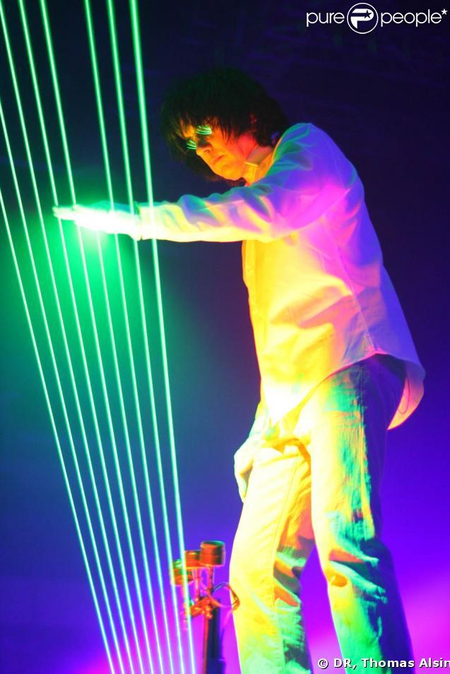 Jean-Michel Jarre lors de l'étape londonienne de sa tournée mondiale In Doors, à Wembley, le 22 mai 2009