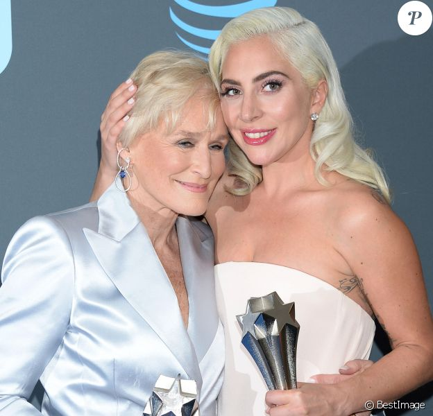 Glenn Close et Lady Gaga à la press room de la soirée des 24ème Critics Choice Awards au Barker Hangar à Santa Monica, Los Angeles, Californie, Etats-Unis, le 13 janvier 2019.