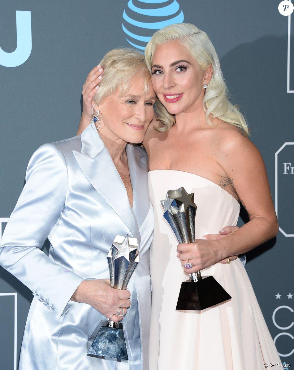 Glenn Close et Lady Gaga à la press room de la soirée des 24ème Critics Choice Awards au Barker Hangar à Santa Monica, Los Angeles, Californie, Etats-Unis, le 13 janvier 2019.