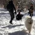 Alizée, sa fille Annily, Grégoire Lyonnet et Johann Jacotey à la neige en Corse, le 26 janvier 2019. Ici avec Jon Snow !