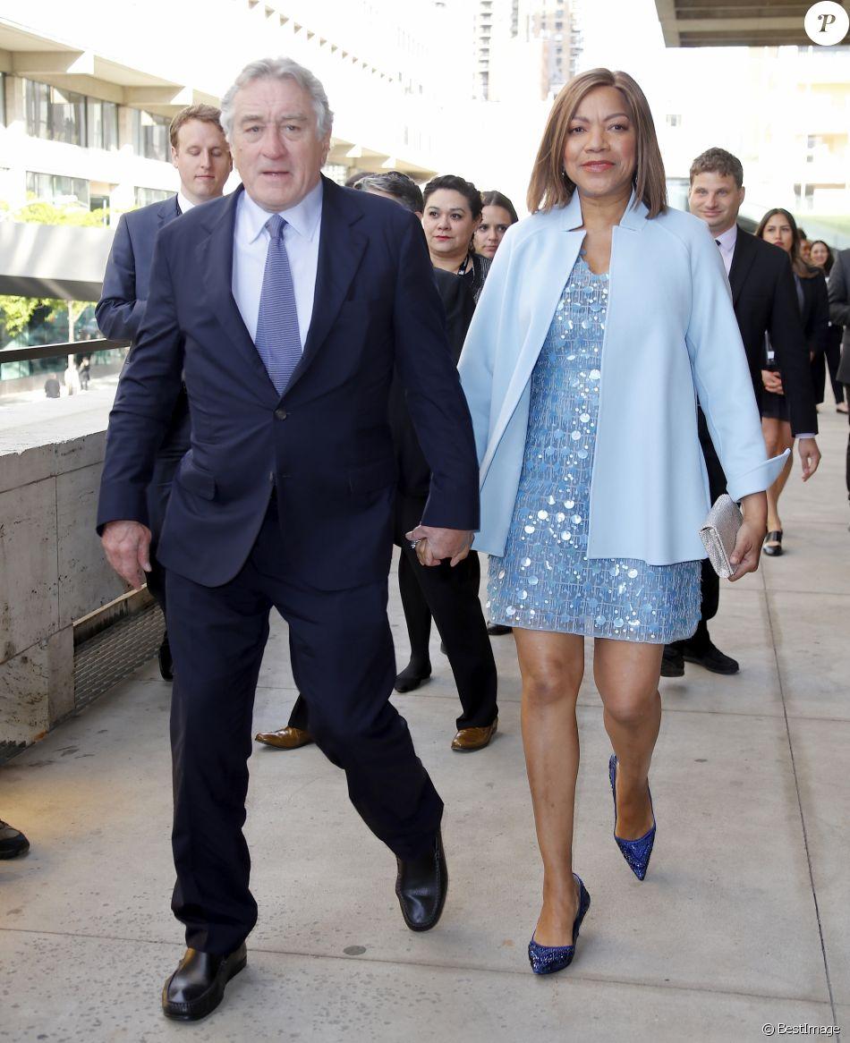 Robert de Niro, invité d'honneur de l'événement, et sa femme Grace Hightower à la 44e soirée Chaplin Award au Lincoln Center à New York, le 8 mai 2017 © Nancy Kaszerman via Zuma/Bestimage
