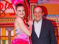 Jean-Pierre Pernaut guéri et souriant au milieu des danseuses du Moulin Rouge