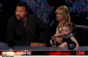 Sa grossesse, sa fille, ses années sombres... Nicole Richie se livre sur CNN aux côtés de son père... Regardez !