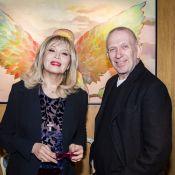 Amanda Lear soutenue par Jean-Paul Gaultier et Stéphane Bern pour son expo