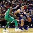 Ben Simmons (maillot bleu) - Match de NBA Boston Celtics - Philadelphia 76ers à Londres. Janvier 2018.