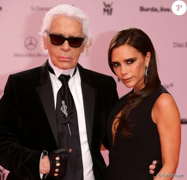 Karl Lagerfeld et Victoria Beckham - Cérémonie des Bambi Awards à Berlin en Allemagne le 14 novembre 2013.
