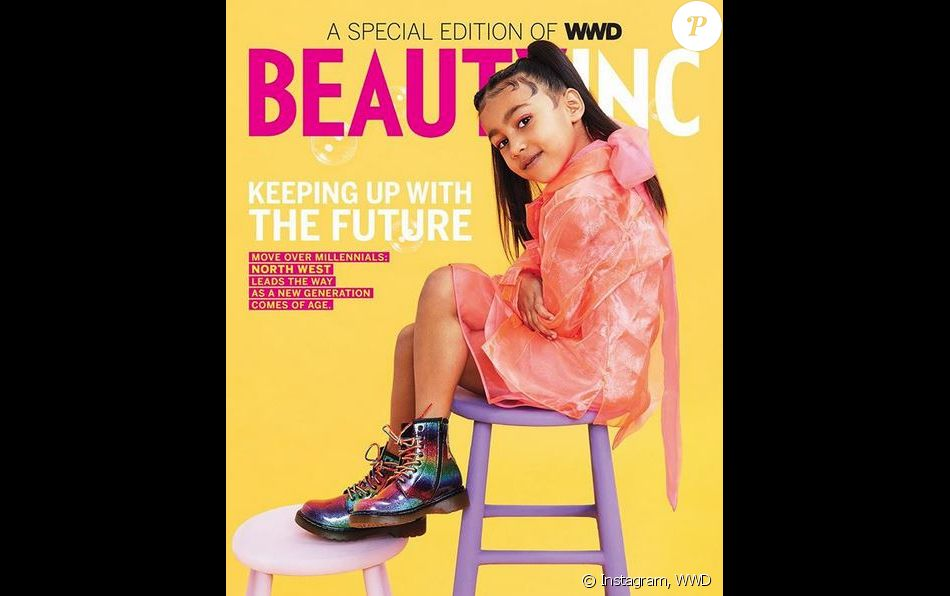 La fille de Kim Kardashian et Kanye West, North West (5 ans), pose en couverture du WWD Beauty Inc. Photo par Julia Johnson et Cody Cloud.