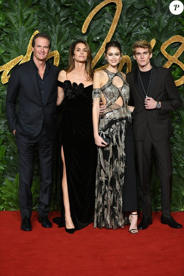 Info - Presley Gerber, le fils de Cindy Crawford, arrêté pour conduite en état d'ivresse - Rande Gerber avec sa femme Cindy Crawford et ses enfants Kaia Gerber et Presley Gerber à la soirée British Fashion Awards 2018 au Royal Albert Hall à Londres, le 10 décembre 2018  The British Fashion Awards 2018 held at the Royal Albert Hall in London. 10th december 201810/12/2018 - Londres